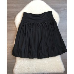 Le Chateau Size Small Black Skirt